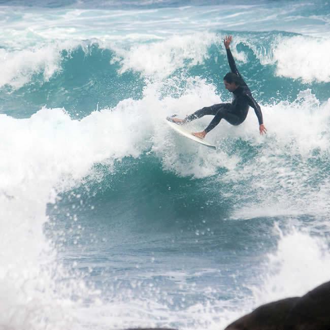 Tinos surf lessons & beach bar